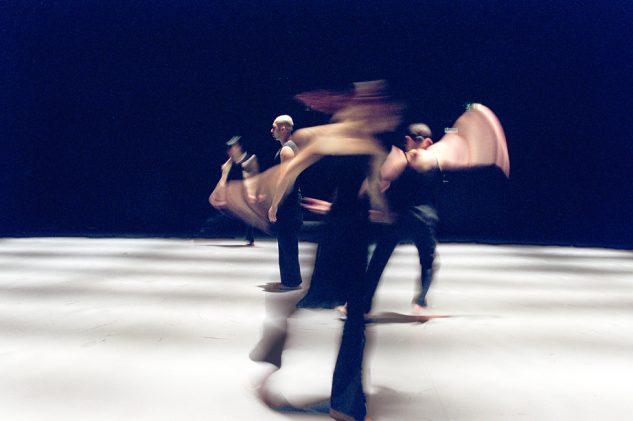 Akram Khan Dance Company - KAASH   Inn-Pang Ooi, Moya Michael, Shanell Winlock, Rachel Krische and Akram Khan  © Roy Peters