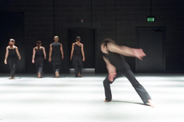 Akram Khan Dance Company - KAASH  Left to Right:  Shanell Winlock, Rachel Krische and Akram Khan, Moya Michael, Inn-Pang Ooi  © Roy Peters