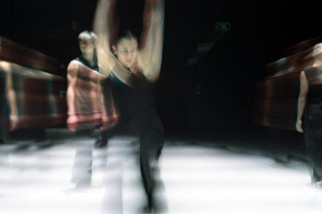 Akram Khan Dance Company - KAASH  Rachel Krische foreground and Inn-Pang Ooi background  © Roy Peters